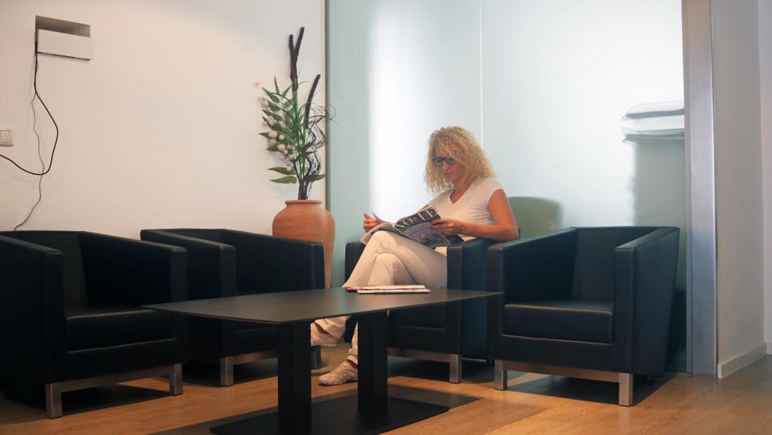 Augenarzt Wartezimmer individuelle Beratung
